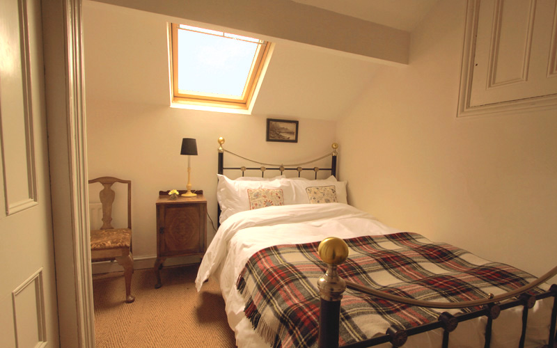 The little double room bedroom 9 has a small double bed for Small bedroom double bed ideas